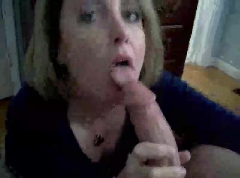 Horny Mom Gives Blowjob