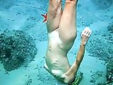 Girlfriend Nude Diving Photo
